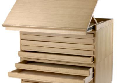 Plateau inclinable du meuble à plans horizontaux en bois massif